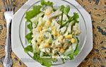 Салат с кальмарами, кукурузой и свежим огурцом